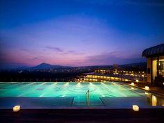 Kensington Jeju Hotel in Jeju island Korea  제주 켄싱턴 호텔 루프탑 수영장