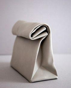 Feine Papiertüten aus Leder