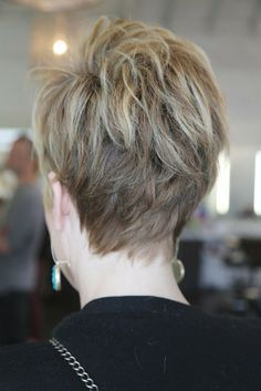 Cute, cute, cute! Short haircut.