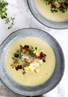 Artichoke soup – recipe for delicious soup with artichokes - Suppe Wine Recipes, Soup Recipes, Artichoke Soup, Soup Dish, Seafood Dishes, Yummy Eats, Food Photo, Food Inspiration, Linguine