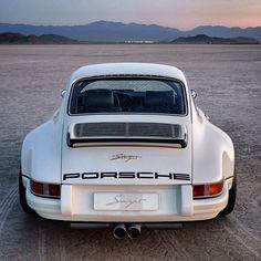 Porsche 911 Carrera Singer