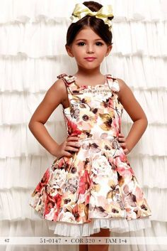 Lila Baby e Cia Moda Infantil Lila Baby, Kids Frocks Design, Kids Dress Patterns, Dolce And Gabbana Kids, Girls Dresses, Flower Girl Dresses, Sophisticated Outfits, Cute Outfits For Kids, Kind Mode