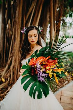 Tropical Wedding Bouquets, Wedding Flower Arrangements, Wedding Flowers, Tropical Weddings, Wedding Wows, Dream Wedding, Wedding Day, Yellow Wedding, Wedding Ceremony