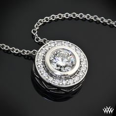 In love ♥ Magnificently crafted, 'Halo Bezel' Diamond Pendant