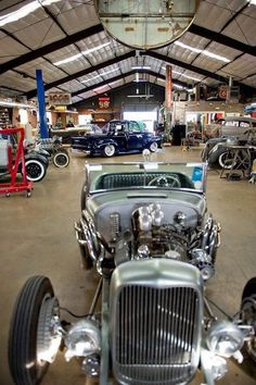 hot rod, muscle cars, rat rods and girls Man Cave Garage, Car Man Cave, Rat Rods, Garage Atelier, Ultimate Garage, Cool Garages, Garage Shop, Garage Loft, Steel Garage