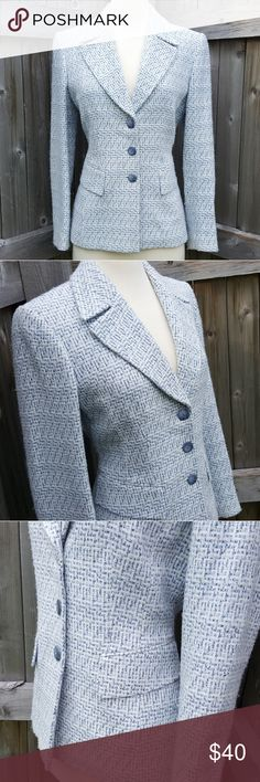 Isabella DeMarco Blue Tweed Style Blazer Jacket 6 This stunning blazer features a tweed like fabric and light blue lining. It is in good pre-owned condition with only minor signs of wear (minor pilling). Size 6. Isabella DeMarco Jackets & Coats Blazers
