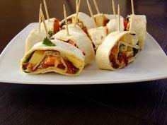 Koreczki z tortilli i suszonymi pomidorami Tacos, Mexican, Ethnic Recipes, Food, Essen, Meals, Yemek, Mexicans, Eten