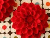 Felt flower-making tutorial in pictures
