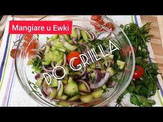 Wyjątkowa surówka do mięsa grillowanego i do obiadu .Zapraszam na filmik na Youtube /Mangiare u Ewki Składniki: ogórki zielone 2 szt duże, cebula czerwona 1 szt duża, pęczek koperku, sól 1 łyżeczka, sos winegret, ocet biały winny 30 ml, oliwa z oliwek 90 ml, sól 1 łyżeczka, pieprz czarny do smaku