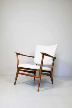 Luisa & Ico Parisi; Walnut Armchair, 1946.