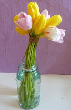 8 cheap and cheerful spring flower arrangements | The Home and Garden Blog