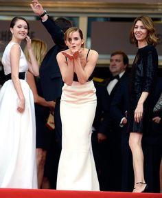 Pin for Later: Retour Sur Les Moments Les Plus Glamour du Festival de Cannes  Emma Watson à l'avant première de The Bling Ring en 2013.