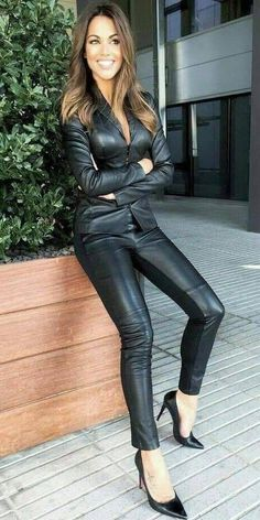 Do you like my sexy outfit Mark Shavick darling? Spanx Leather Leggings, Leather Pants Outfit, Leather Dresses, Legging Outfits, Leder Outfits, Sexy Outfits, Lederhosen Outfit, Look Fashion, Womens Fashion