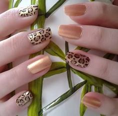 with reverse pattern/accent nails for each hand, love it!Leopard with reverse pattern/accent nails for each hand, love it! Crazy Nail Art, Crazy Nails, Fancy Nails, Diy Nails, Cute Nails, Manicure Ideas, Pretty Nails, Nail Ideas, Cheetah Nail Designs