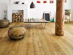 Light hardwood floors are timeless in interior design. Most often light flooring is used to create modern minimalist or modernist interior concepts. Engineered Wood Floors, Oak Wood Floors, Barlinek, Hardwood Floors, Log Home Interiors, Home Decor, Rustic Wood Furniture, Country House Decor, Interior Design