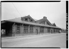 Henry Hobson Richardson, Boston & Albany Railroad Station, Framingham, Massachusetts, 1883
