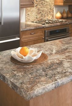 Kitchen makeover Formica Laminate - Swingle-Stiers Countertops Tropical Home Decor Article Body: Tha Formica Kitchen Countertops, Kitchen Countertop Materials, Kitchen Cabinets, Oak Cabinets, Kitchen Laminate, Kitchen Hoods, Quartz Countertops, Smitten Kitchen, Updated Kitchen