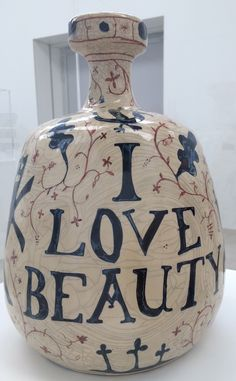 Grayson Perry, I Love Beauty Turner Contemporary, Contemporary Artists, Grayson Perry Art, Grayson Perry Tapestry, Ceramics Projects, Art Projects, Ceramic Pottery, Ceramic Art, Mystique
