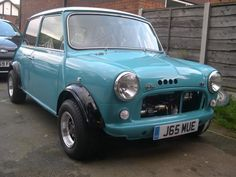 Mini Mini Cooper Classic, Classic Mini, Classic Cars, Mini S, Small Cars, Old Cars, Cars And Motorcycles, Mini Coopers, Bike