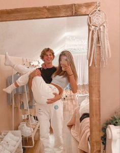 Cute mirror picture to take with your boyfriend for insta couple goals Teen Couples, Cute Couples Photos, Cute Couple Pictures, Cute Couples Goals, Country Couple Pictures, Football Couples, Couple Ideas, Prom Pictures, Beautiful Pictures