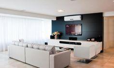 Apartamento valoriza a simplicidade usando apenas o essencial na decoração…