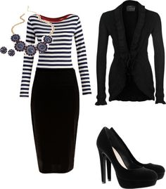 I love horizontal stripes for spring. The colors need to be conservative to make it office appropriate. Office Fashion, Business Fashion, Work Fashion, Fashion Looks, Mode Outfits, Office Outfits, Stylish Outfits, Fashion Outfits, Business Dresses