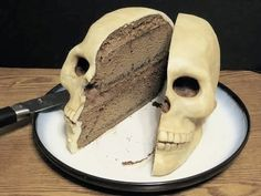 Skull Cakes (cake ideas for a Gothic wedding, Yule/Winter Solstice, or for Halloween (Samhain)