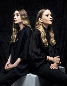 Ashley & Mary-Kate Olsen.