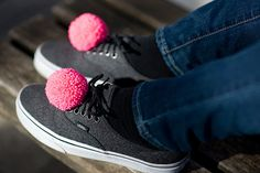 handmade+shoe+clips+with+fluorescent+pink+pompoms+pom+by+bimabejbe,+€14.00