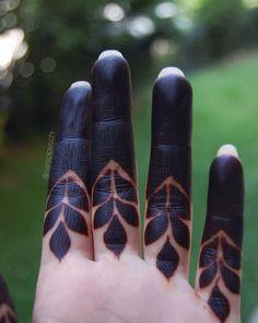 Mehndi or Henna for Fingers Designs Rose Mehndi Designs, Finger Henna Designs, Indian Mehndi Designs, Henna Art Designs, Mehndi Designs For Girls, Mehndi Designs For Beginners, Modern Mehndi Designs, Mehndi Design Pictures, Wedding Mehndi Designs