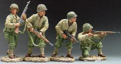 World War II U.S. Infantry Divisions DD033 3rd Infantry Division Attacking - Made by King and Country Military Miniatures and Models. Factory made, hand assembled, painted and boxed in a padded decorative box. Excellent gift for the enthusiast.
