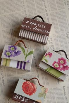 Living room cafe diaryの画像 Organiser Box, Cardboard Crafts, Diy Organization, Charms, Gift Wrapping, Scrapbook, Living Room, Blog, Gifts