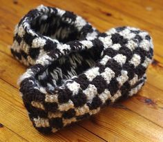 Phentex checkerboard slippers - showing floats...