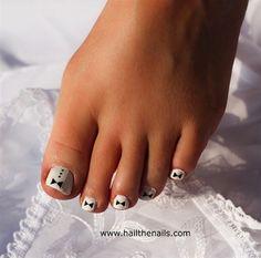 Tuxedo Pedicure by Hailthenail - Nail Art Gallery Toe Nail Designs, Nail Polish Designs, Get Nails, Hair And Nails, Pedicure Nail Art, Pedicure Ideas, Nail Candy, New Nail Art, Nail Art Galleries