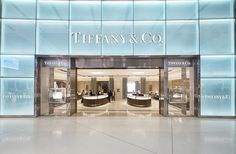 Sydney Airport got first Tiffany & Co. store. #tiffanyandco #sydney #thelocationgroup #shopopening #storeopening #elocations