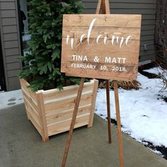 Welcome Sign and Stand project, great for #DIY special events! Click through for instructions at RYOBI Nation