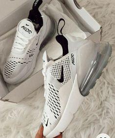 Tenis Nike Air, Nike Air Shoes, White Nike Shoes, Nike Workout Shoes, Off White Shoes, Cool Nike Shoes, Best Workout Shoes, Nike Training Shoes, Shoes Jordans