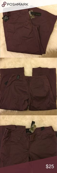 """NWT Capris Perfect condition. Soft material. 23"""" Inseam. (S2b) The Limited Pants Capris"""