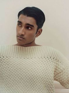 Taking a classic approach to style, Norwegian male model Jeenu Mahadevan appears in a fashion editorial named ''The Lazy Boy'' for GQ France's April 2019 . Male Fashion Trends, Mens Fashion, Indian Male Model, Character Inspiration, Character Design, The Fashionisto, Indian Man, Color Beige, Fine Men