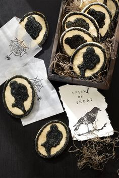 Cameo Cookies: Go a little Gothic — the Gothic era, that is! — with these Victorian-inspired cameo cookies. Click through for more homemade Halloween cookies! Homemade Halloween Treats, Halloween Cookie Recipes, Spooky Treats, Halloween Baking, Halloween Dinner, Halloween Desserts, Halloween Food For Party, Halloween Cookies, Halloween Party Decor