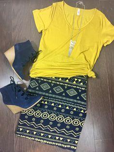 Flat Lay-LuLaRoe Cassie Skirt