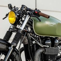 An advance of the photo session of the Thruxton. Anyone wants one? #macco…