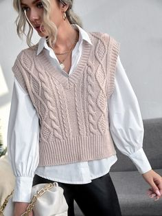 Vest Outfits For Women, Sporty Outfits, Casual Mode, Casual Chic, Knitwear Fashion, Knit Fashion, Sweater Vest Outfit, Mode Chic, Winter Fashion Outfits