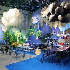 Such a fun interior! Would love to visit this place and feel like a kid again! :)