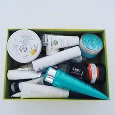 Toda esta caja de acabados pendientes de que os cuente qué tal  Así que... en lugar de post os iré contando por instagram   #bblogger #skincare #beautyproducts #beautybloggers