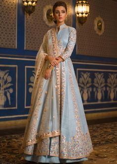 Denim Blue Indo western, Raw Silk Indo Western, in a great quality of fabric n work now available for shipping worldwide Indian Attire, Indian Wear, Indian Outfits, Indian Clothes, Western Outfits, Indian Gowns Dresses, Pakistani Dresses, Vasansi Jaipur, Estilo India