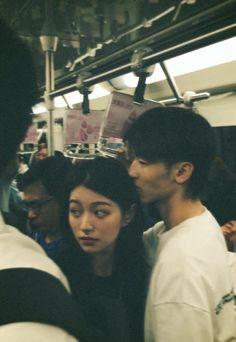 Couple Aesthetic, Film Aesthetic, Aesthetic Girl, Aesthetic Pictures, Film Photography, Couple Photography, Photographie Portrait Inspiration, Look Man, Korean Couple