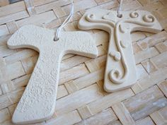 cretaluna: Tau per Comunioni Ceramic Christmas Decorations, Clay, Garden, Wedding, Ideas, Party, Templates, Crosses, Lab