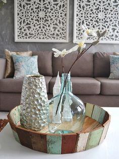 sloophout schaal met vazen