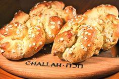 Gluten-free rice and corn flour challah / 23 Delicious Vegetarian Hanukkah Recipes (via BuzzFeed)